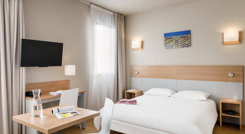 hotel aparthotel adagio access dijon r publique. Black Bedroom Furniture Sets. Home Design Ideas