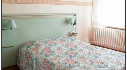 h tel des all es dijon. Black Bedroom Furniture Sets. Home Design Ideas