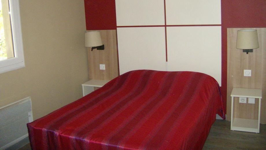 h tel du parc de la colombiere dijon. Black Bedroom Furniture Sets. Home Design Ideas
